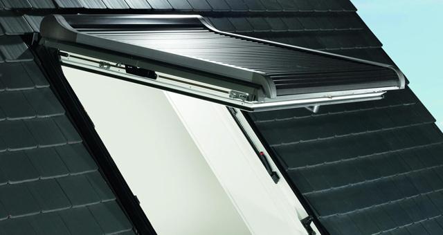 Roto designo R8 tetőablak redőnnyel