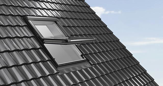 Roto Designo R4 billenő tetőtéri ablak