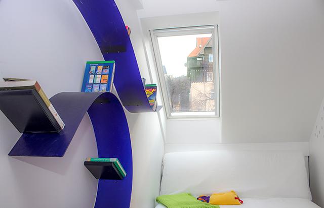 VELUX műanyag tetőtéri ablak