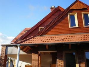 Gödi tetőtéri ablak beépítés, ácsmunkák és tetőfedés mediterrán cseréppel.